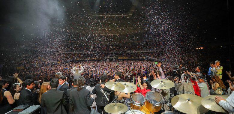 Vecinos de Santiago disfrutaron de concierto gratuito por 55 años de Los Jaivas